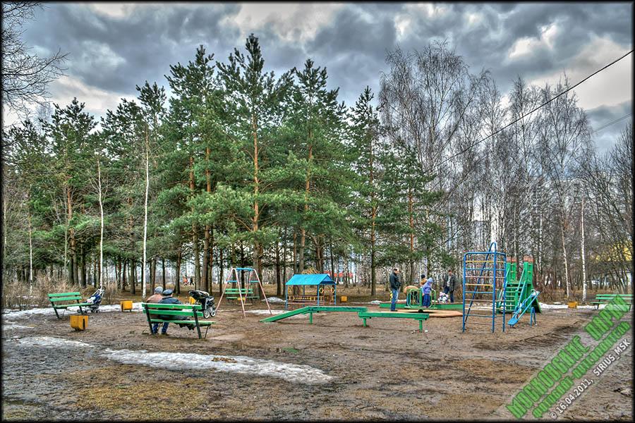 Детская площадка бунинские аллеи