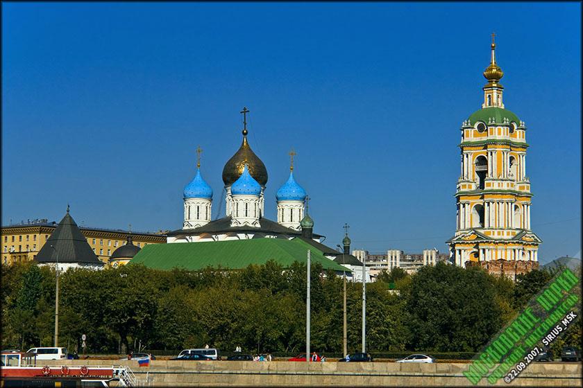Вид на сквер и Новоспасский